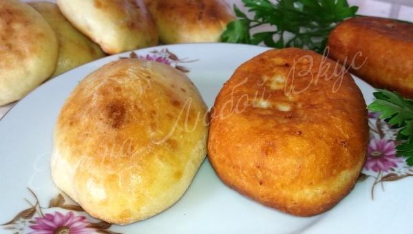 Пирожки рецепт пошаговый на сковороде вкусные 46
